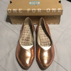 Toms Jutti Flats Rose Gold Leather size 5.5